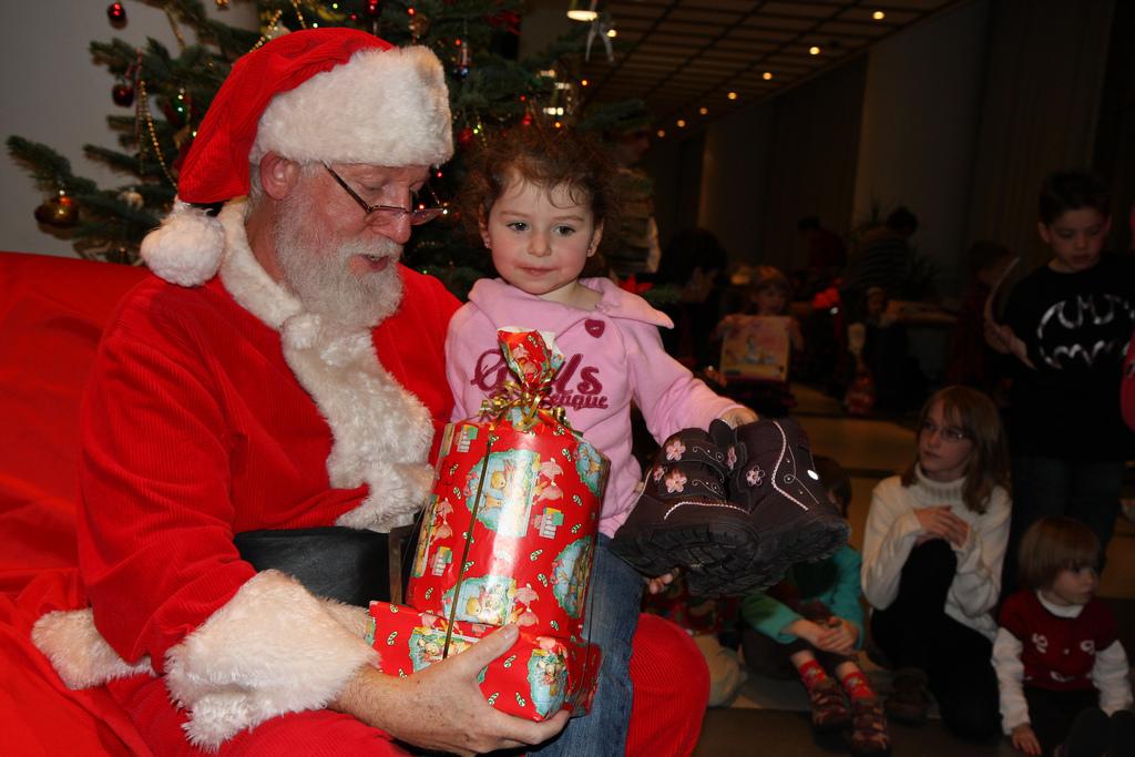 Happier Holidays Introducing Toddlers To Santa