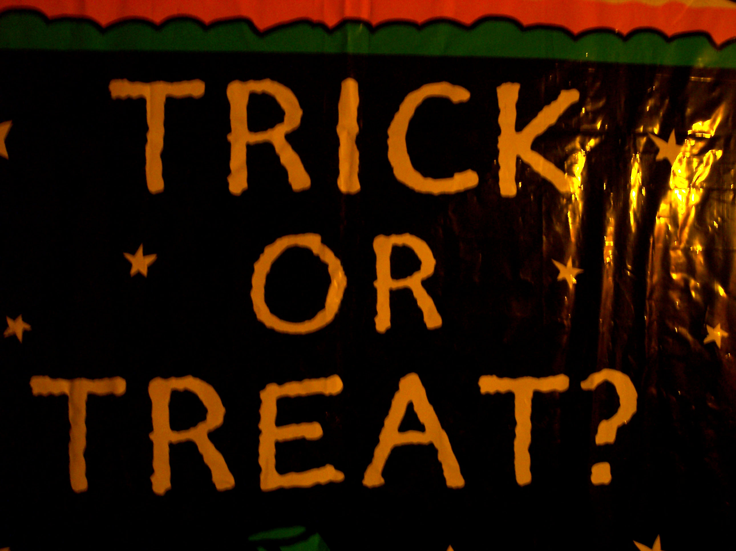 Mom To Mom: Solo Trick Or Treating   How Young Is Too Young