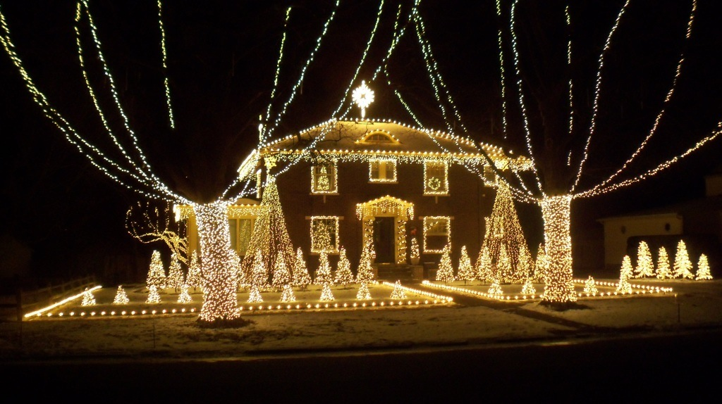 Lighting Up Paxton Christmas Light Display - Best Kept Secret: Paxton Christmas Light Display