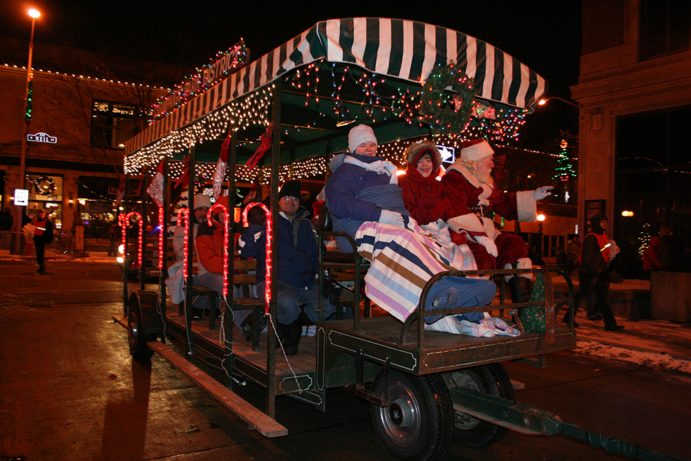 Trolley Rides In Champaign Urbana Offer Unique Holiday