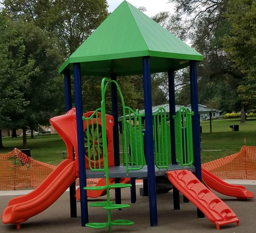 The New Hessel Park playground in Champaign on Chambanamoms.com