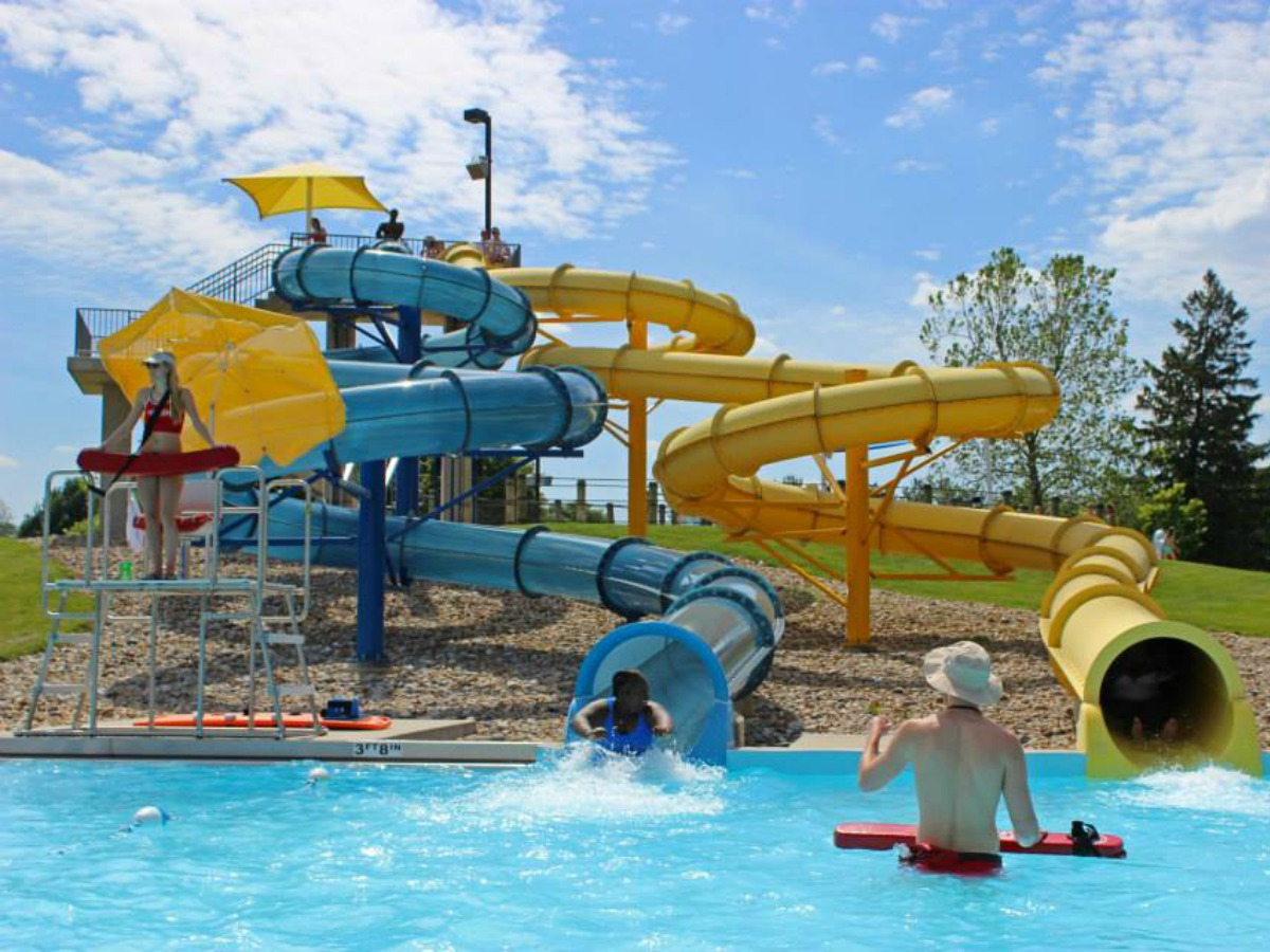 Sholem Aquatic Center Pool in Champaign on Chambanamoms.com
