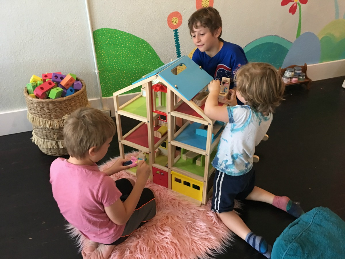 Get to know the Play Day Cafe in St. Joseph on Chambanamoms.com