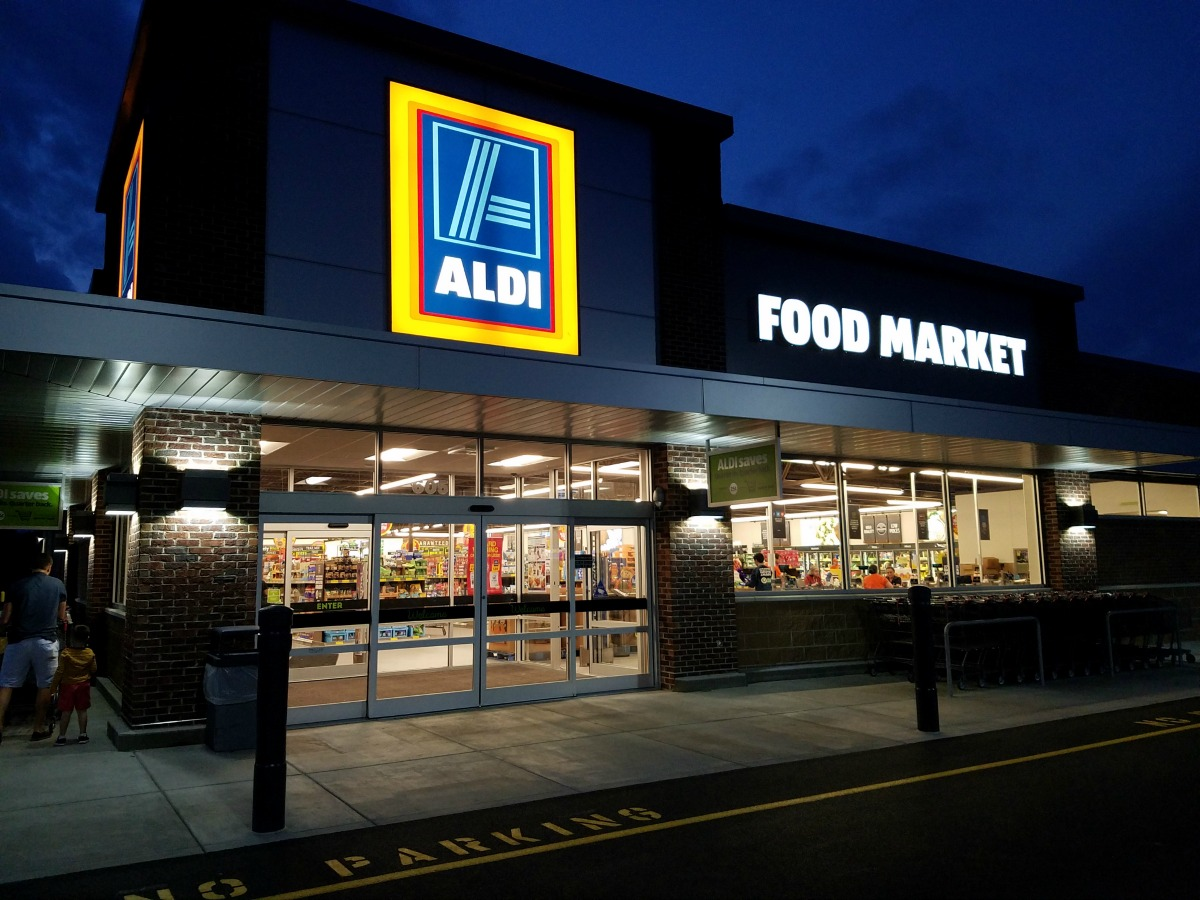 mom review  aldi food market in savoy