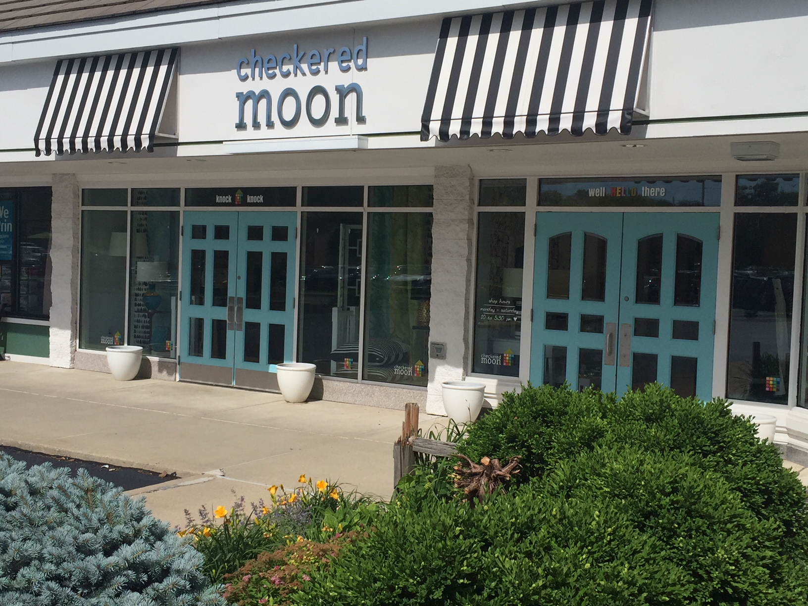 checked moon Champaign moving to South Neil