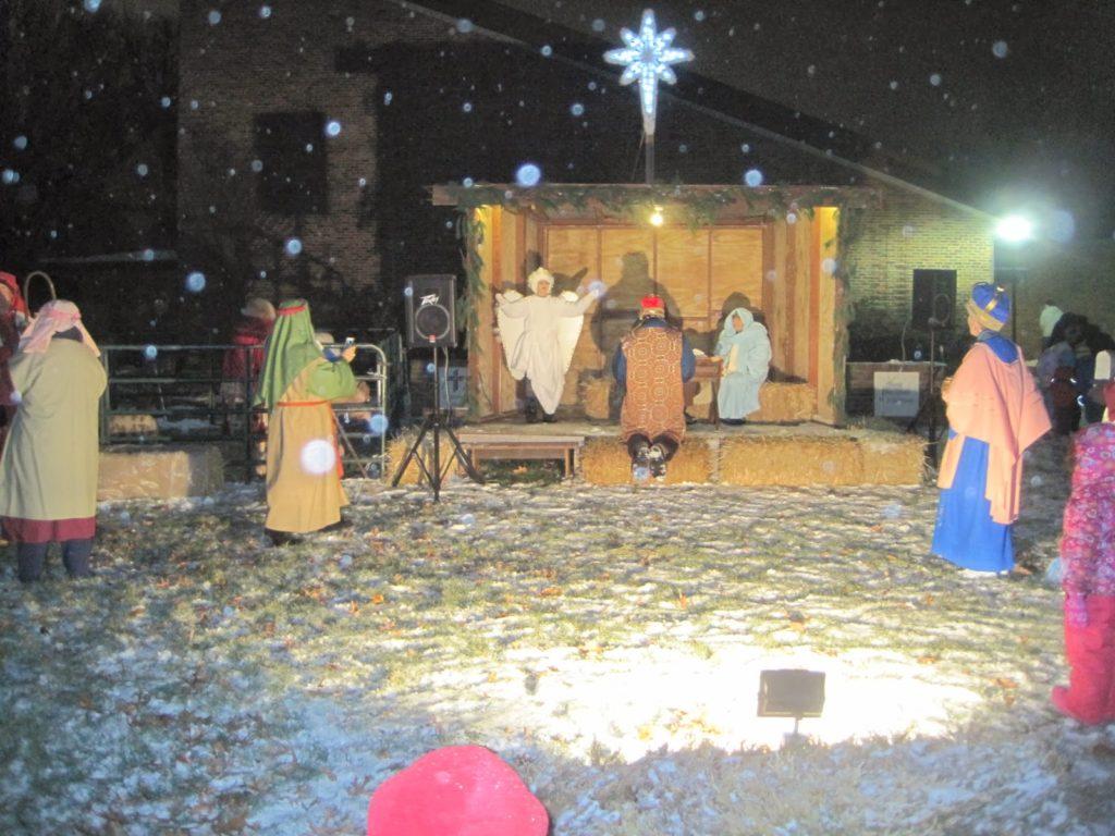 Live Nativity Display in Champaign-Urbana on Chambanamoms.com