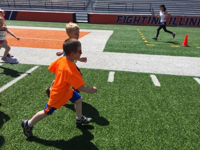 Kids running Busey 1K Fun Run in Champaign, IL