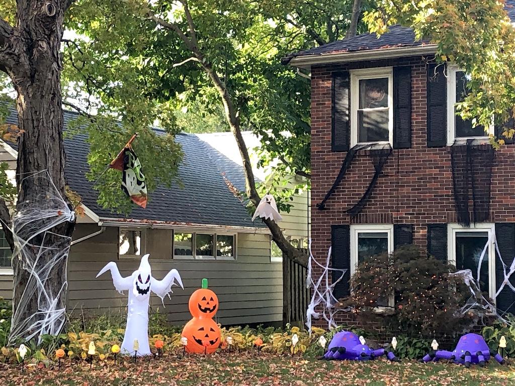 Halloween yard in Urbana
