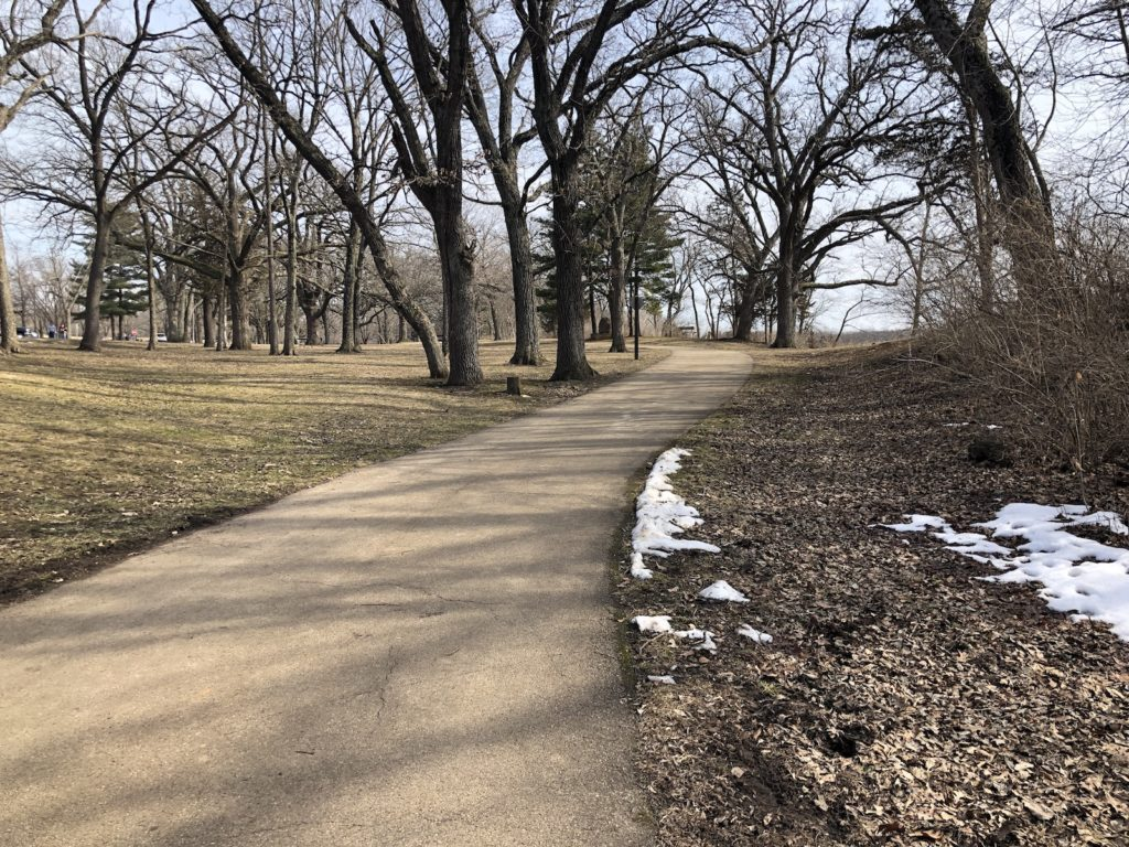 Miles of paved trails at Kankakee River State Park